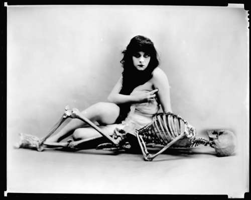 theda bara - skeleton session
